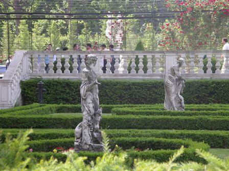 Парк Шенбрунна красив безумно.